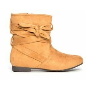 OLIVE STREET Cognac Micro Suede Scrunch Boots Sz 7